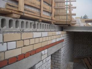 Кладка наружных стен из кирпича
